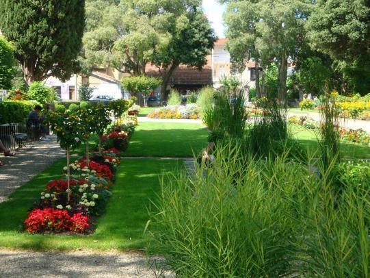 Le jardin ortholan fait peau neuve le journal du gers for Entretien jardin du souvenir
