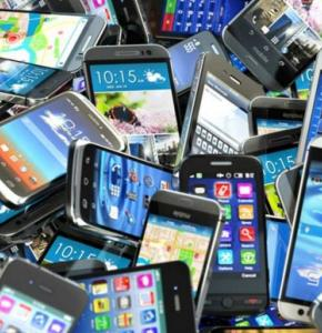 smartphone tous pele mele.jpg
