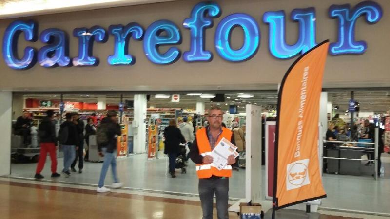 L'enseigne Carrefour se mobilise — Banque alimentaire