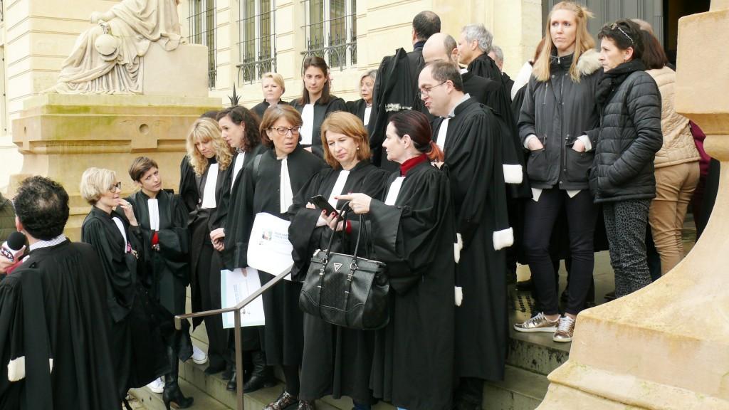 Magistrats, fonctionnaires et greffiers se mobilisent en Charente-Maritime — Justice