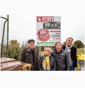 00 Le panneau dévoilé avec Roger Combres Elisabeth Dupuy-Mitterrand Eric Artigole et Christian Cuvellier 1bis 221119.jpg