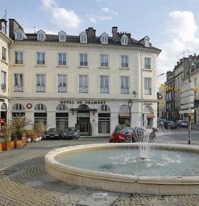 Pau Place Gramont.JPG