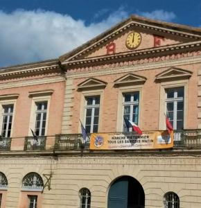 Mairie L'Isle-Jourdain - Photo MB 2.jpg