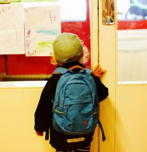 entry-to-school-2454153_1280.jpg