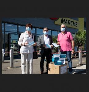 0 Réception des masques par Christian Peyret et Maryse martinot 1bis 200520.jpg