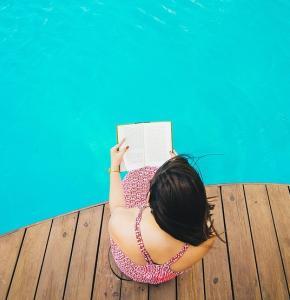swimming-2566671_960_720.jpg