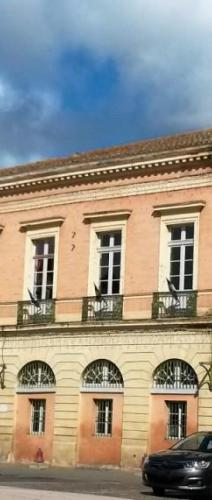 Mairie L'Isle-Jourdain - Photo MB 3.jpg