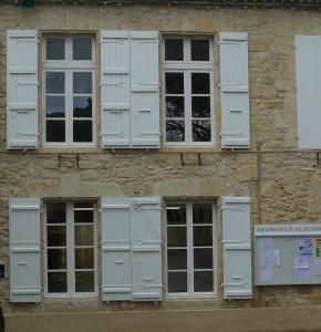 Mairie de Saint Puy 2.JPG