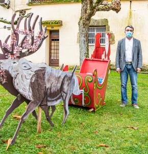 00 Gérard Peres avec le traîneau du Père Noël 1bis 151220.jpg