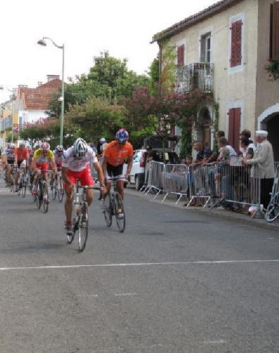 MADIRAN COURSE CYCLISTE LIONEL ARCHIVES  BV.jpg