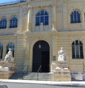 Auch Palais justice 09 2019.jpg