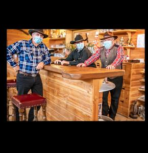 0 Les cow-boys au saloon 1bis 310121.jpg