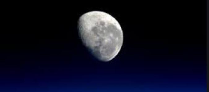 lune ciel de nuiut.JPG