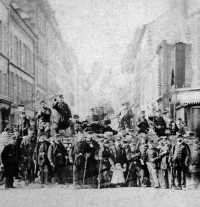 Commune_de_Paris_barricade_rue_Saint-Sébastien.jpg