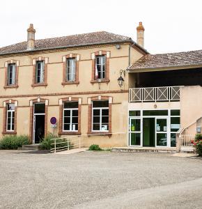 1 Mairie de Loussous-Débat 1bis 200621.jpg